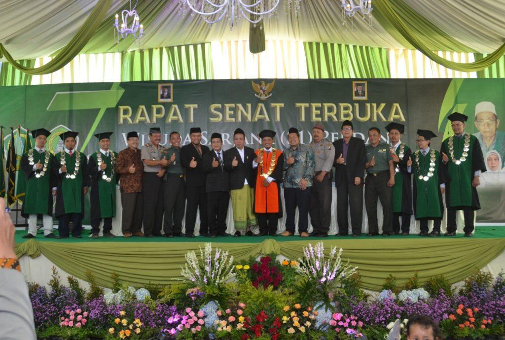 Wisuda Perdana STAI Al-Yasini Sukses Luluskan 117 Sarjana Pintar Baca Kitab Kuning, alyasini, al yasini, yasini, pasuruan, stai